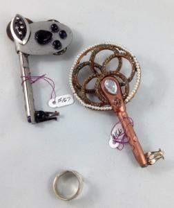 other side keys 166, 167