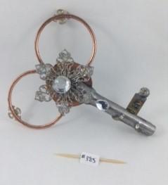 Key 385 - one side