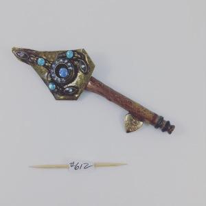 Key 612 one side